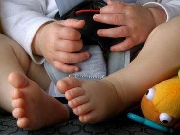 Tip: koop een baby autostoel die je naar het deurgat kan draaien.