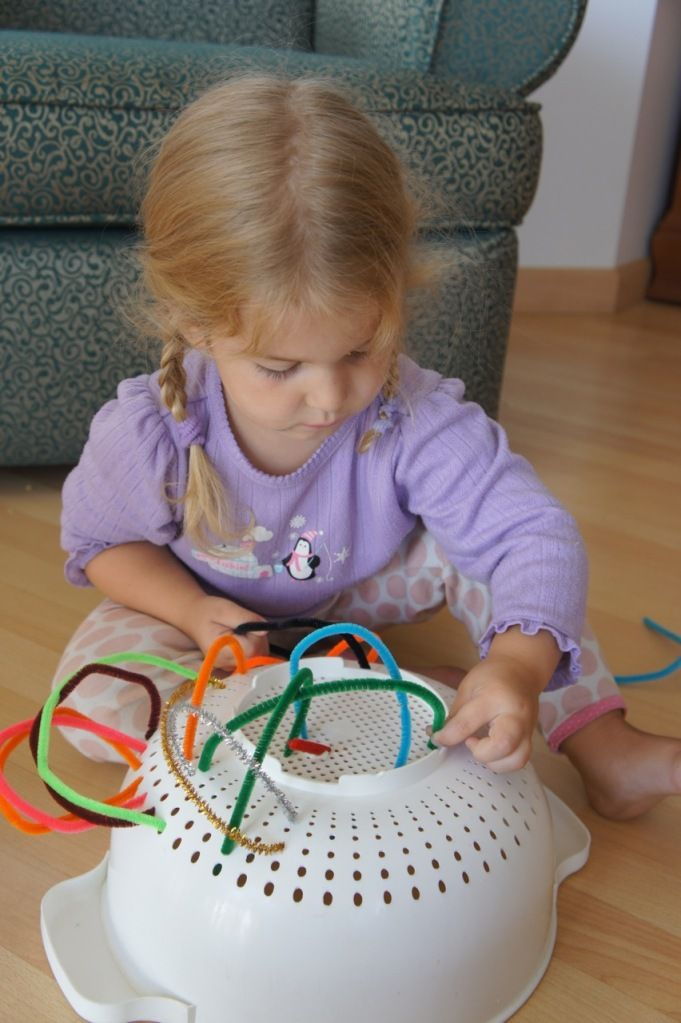 kinderen leren spelen xantifee-tips fun pijpenragers vergiet peuters fijne motoriek